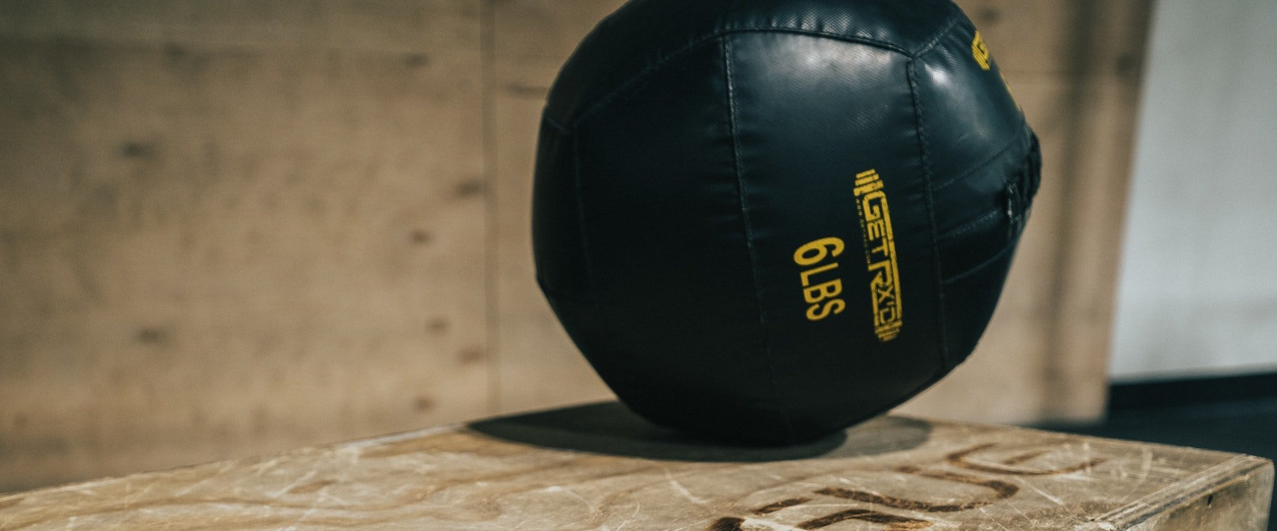 how to use medicine balls and agility ladders