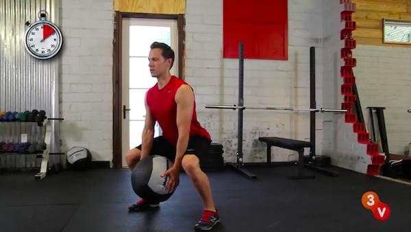 medicine balll squat 1